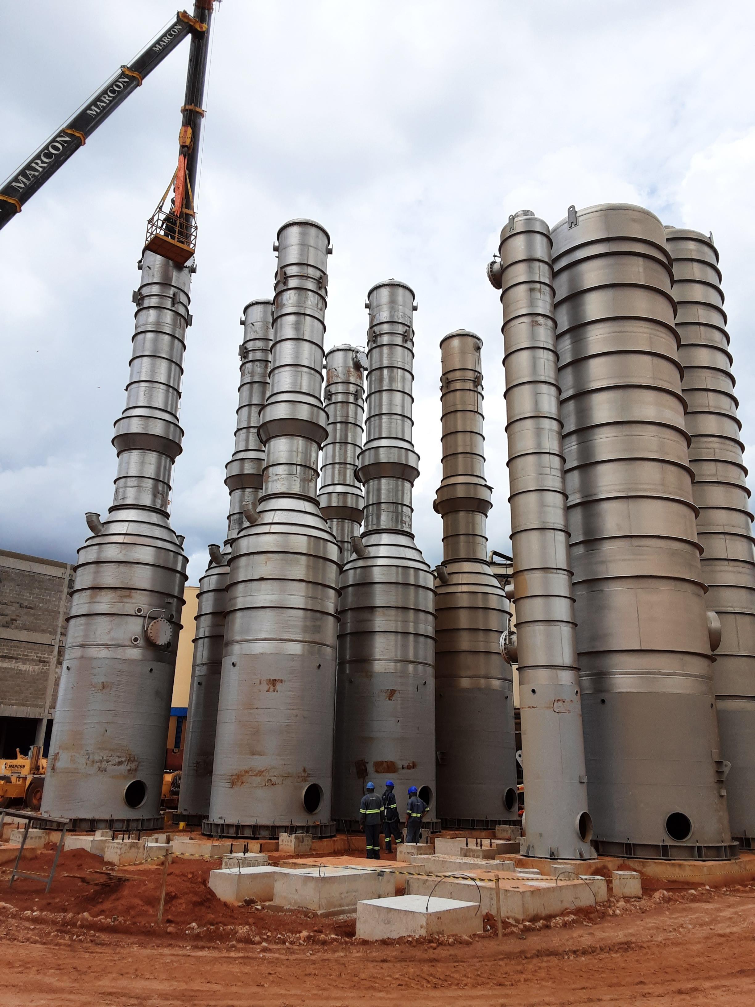 Montagem mecânica planta etanol de milho área destilação desidratação e evaporação projeto ICM - Usimat